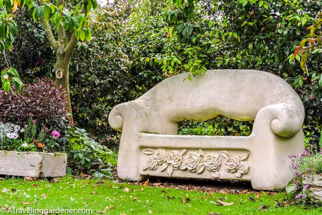New Zealand Omaru Whitestone Bench