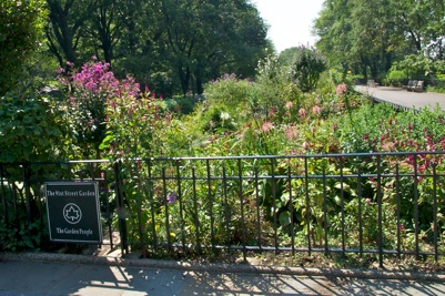The Promenade At 91st Street In Riverside Park In West Manhattan Starred  Along With Meg Ryan And Tom Hanks In The Final Scene Of The 1989 Film, ...