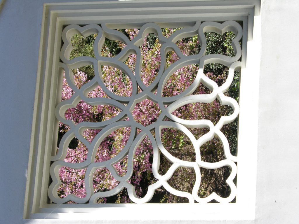 lattice windows a traveling gardener